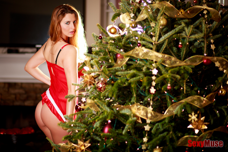 Feliz Navidad with MissLea by Rocke for SexyMuse.com